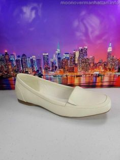 Womens shoes ISOTONER ivory white GENUINE LEATHER flats mocs loafers sz 7.5 M