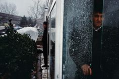 Eminonu during snow storm. by Alex Webb David Alan Harvey, Alex Webb, New York Times Magazine, Photographer Portfolio, Magnum Photos, Photojournalism, Street Photography, Istanbul, Fine Art