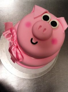 Pig Cake is totally adorbs Beautiful Cakes, Amazing Cakes, Fondant Cakes, Cupcake Cakes, Piggy Cake, Cowgirl Cakes, Farm Cake, Just Cakes, Novelty Cakes