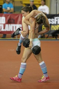Christmas Abbott My crossfit hero Carrying girl and weight like it's nothing Rich Froning, Crossfit Inspiration, Fitness Inspiration, Workout Inspiration, Fast Weight Loss, Weight Loss Program, Fat Fast, Weight Lifting, Flat Stomach Tips