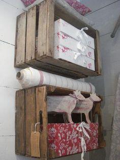 Cageot bois mural pour agencement et accessoire couture.