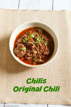 Enjoy Chilis chili recipe again like it used to be served. This is a thick and hearty chili you won't want to miss. Don't miss out on this classic recipe. Chili Recipes, Crockpot Recipes, Soup Recipes, Cooking Recipes, Cat Recipes, Recipies, Slow Cooker, Copykat Recipes, Recipes