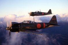 零戦五二型(A6M5)A6M5 mod 52 fighters in flight (1944/45)