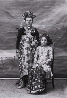 Unknown photographer Working Bali 1930s 'I Goesti Agoeng Bagoes Djelantik, Anakagoeng Agoeng Negara, Karang Asem' Bali 1931