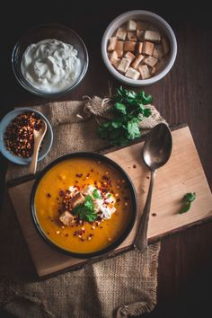 gr - Food that makes me happy -Myblissfood. Sweet Potato Carrot Soup, Butternut Squash, Carrots, Potatoes, Ethnic Recipes, Soups, How To Make, Food, Carrot