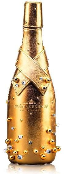 Moët & Chandon Midnight Gold Case with some hand sewn Swarovski crystals that emulate champagne bubbles Gold Champagne Bottle, Gold Bottles, Alcohol Bottles, Liquor Bottles, Champagne France, Champagne Cocktail, Pink Champagne, Glass Bottles, Moet Chandon
