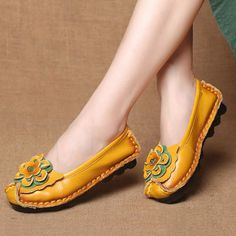 e33c8aa76840 Women Casual Soft Handmade Floral Genuine Leather Flats is cheap and  comfortable. There are other cheap women flats and loafers online.