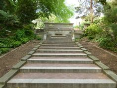 http://dc.urbanturf.com/articles/blog/off_the_beaten_turf_spanish_steps/5478 - The topic of this Off the Beaten Turf is an unexpected moment of peace right in the middle of the city: Kalorama's Spanish Steps.