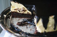 Hot Fudge Cheesecake w/ Brownie Crust