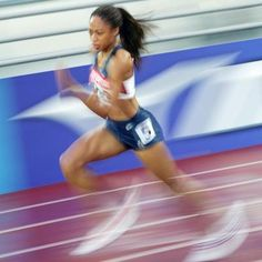 Push Through Plateaus - set small goals. Olympic Runners, Habit Formation, Allyson Felix, Running Day, Olympic Champion, Training Plan, Track And Field, Workout Motivation, Female Athletes