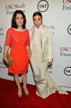 Carla Garapedian of the Armenian Film Foundation & TV personality Kim Kardashian attend USC Shoah Foundation's Anniversary Gala at the Hyatt Regency Century Plaza Robert Kardashian, Kardashian Photos, Kardashian Style, Vanity Fair Oscar Party, Photo L, 20th Anniversary, Kylie Jenner, Business Women, Peplum Dress