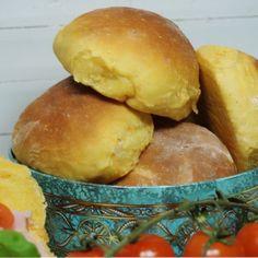 Morotsfrallor - Victorias provkök Bread Recipes, Snack Recipes, Cooking Recipes, Snacks, I Love Food, Good Food, Healthy Meals To Cook, Vegan Bread, Swedish Recipes