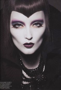 Google Image Result for http://images4.fanpop.com/image/photos/22100000/gothic-fashion-gothic-22141984-477-700.jpg