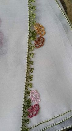 This Pin was discovered by ban Beaded Embroidery, Hand Embroidery, Embroidery Designs, Lace Art, Quilling, Tatting, Elsa, Needlework, Diy And Crafts