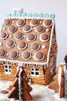 (gingerbread) house envy!