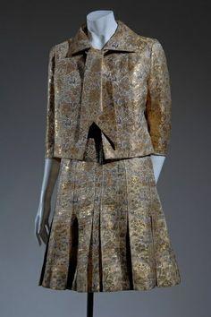 CHANEL PINTEREST | Chanel, 1953 http://pinterest.com/treypeezy http://OceanviewBLVD.com