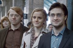 Albus Severus Potter has finally left for Hogwarts. Harry Potter author J. Rowling, some of the film franchise's cast members, and countless fans are celebrating Sept. the date Har… Hermione Granger, Harry Ron Hermione, Ron Weasley, Draco, Harry Potter Epilogue, Harry Potter Welt, Harry Potter Films, James Potter, Expecto Patronum Harry Potter