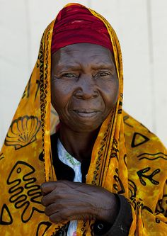 Mid Adult Woman Wearing Yellow Veil Portrait, Lamu, Kenya by Eric Lafforgue Underwater Photos, Underwater Photography, Film Photography, Landscape Photography, Wedding Photography, Eric Lafforgue, Vintage Photographs, Vintage Photos, East African Rift
