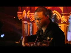 Luis Guerreiro (Valsa Chilena live from London) // Luis Guerreiro it's one of the great portuguese guitar musicians of the new generation of portuguese guitar players.