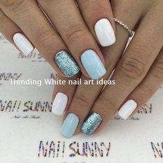 White pastel blue and glitter nails. Blanc bleu pastel et ongles brillants. Ongles modernes et chics Chic ongles courts. Chic Nails, Stylish Nails, Fun Nails, Short Nail Designs, Acrylic Nail Designs, Nail Art Designs, Nails Design, Acrylic Nails, Coffin Nails