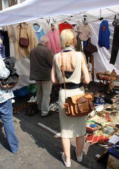 bee in the market: Brick Lane