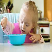 Study: Both an early and late first exposure to solid food for infants appears to be associated with the development of type 1 diabetes.  http://www.diabetescare.net/flash_article.asp?id=447077