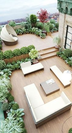 Wonderful Rooftop Garden Design For Home That Enchanting Whilst quite a different setting, having a patio set over two levels and separated with planting provides more interest and sets out the space. Rooftop Terrace Design, Rooftop Patio, Backyard Patio, Rooftop Lounge, Rooftop Decor, Rooftop Bar, Apartment Backyard, Rooftop Gardens, Diy Patio