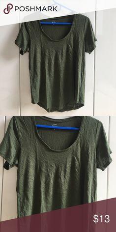 J Crew 100% linen tee, sz M Versatile army green color, flattering scoop neck. Not Factory. Worn once, new condition. No flaws. J. Crew Tops Tees - Short Sleeve