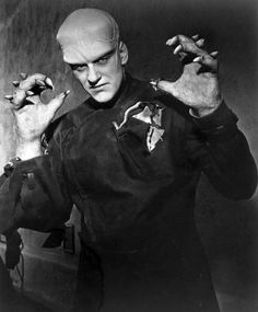 THE THING FROM ANOTHER WORLD (1951) That's James Arness from Gunsmoke fame