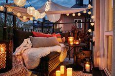 Turn your tiny balcony into an outdoor balcony decoration ideas winter balcony decor ideas for christmas turn your tiny balcony into an outdoor How To Turn Your Tiny Balcony Into …