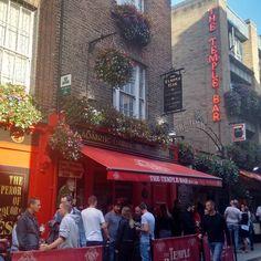 Muito bom!  #Dublin #Irlanda #Ireland #ViajandonoBlogemDublin #ViajandonoBlognaIrlanda #VisitDublin #IgersDublin #Irelands2017 #Irlandas2017 #visitireland #mulherviajante #solotraveler  #IrelandLovers #irelandgram #lovedublin #DiscoverDublin  #LoveIreland #Irelandcalling #postcardsfromIreland #dublinigers #instadublin #dublincity #thecraic #templebar