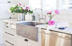 NativeStone farmhouse kitchen sink - design by Barbour Spangle Design @christibarbour