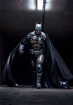 Batman: Arkham Origins - Irlandês faz cosplay épico usando impressora 3D! - Legião dos Heróis