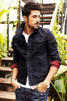 Cheap men's jean jacket, Buy Quality denim jacket men directly from China brand jacket men Suppliers: SIMWOOD jacket men 2018 New Spring Winter denim jacket men fashion jeans jacket casual outerwear Coats Brand Clothing Love Jeans, Jeans Style, Men's Jeans, Stylish Mens Outfits, Stylish Jackets, Red Denim Jacket, Gents Fashion, Mens Clothing Styles, Men Casual