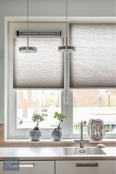 kitchen ideas – New Ideas Living Room Blinds, House Blinds, Blinds For Windows, Dutch House, Kitchen Blinds, Home Curtains, Window Coverings, Stores, Kitchen Design