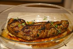 Timianmarinert indrefilet av svin – josefinesmatgleder Pork, Meat, Chicken, Kale Stir Fry, Pork Chops, Cubs