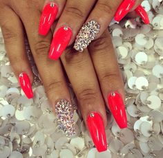 What Christmas manicure to choose for a festive mood - My Nails Bright Summer Acrylic Nails, Red Acrylic Nails, Red Nails, Pink Acrylics, Glam Nails, Dope Nails, Bling Nails, Fabulous Nails, Gorgeous Nails