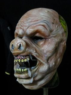ZOMBIE HALLOWEEN MASK HORROR COLLECTORS HORROR CREATURE PIG FACE MASK PROP