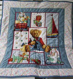 Krabbeldecke mit Babymotiven von Meine bunte Flickenecke auf DaWanda.com