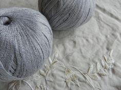 ea0b4545028 50g česaná kašmírová příze sv. šedý melír   Zboží prodejce Katrincola yarn