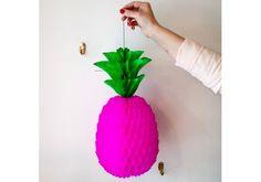 Ananas rose fluo en papier 10,00 € http://www.laboutiquedelouise.com