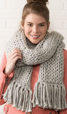Knit Fashion, Girl Fashion, Chunky Scarves, Easy Knitting Patterns, Scarf Styles, Nespresso, Fall Outfits, Creations, Sweaters