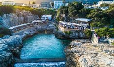 Set on the edges of a sparkling blue tidal pool with an intriguing history overlooking the ocean, Ficks is a Hermanus bar and restaurant serving pinchos and wine Modern Landscaping, Outdoor Landscaping, Unique Restaurants, Outdoor Yoga, Rock Pools, Nature Reserve, Marine Life, Beautiful Places, City