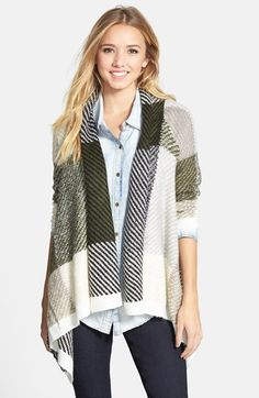 Free shipping and returns on Woven Heart Plaid Shawl Collar Cardigan (Juniors) at Nordstrom.com. Large-scale plaid patterns this drapey shawl-collar cardigan knit from lush, supersoft cotton-blend yarns.