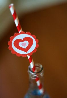 Free Printable Valentine Party circles.