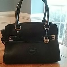 674b4efb99b1 Dooney and Burke handbag Vintage Dooney bag in fantastic condition. Heavy  pebbled leather bag with