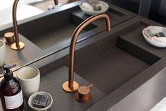 COCOON showroom in Amsterdam | Piet Boon copper design bathroom taps… Ensuite Bathrooms, Washroom, Bathroom Faucets, Modern Bathroom, Minimalist Bathroom, Contemporary Bathrooms, Rustic Bathrooms, Design Bathroom, Bathroom Interior