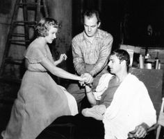 Vivien Leigh, Marlon Brando, Kim Hunter and Karl Malden on the set of A Streetcar Named Desire (1951)