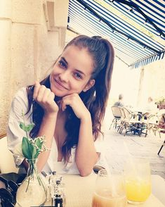 Pin for Later: 44 Mannequins à Suivre Sur Instagram Barbara Palvin Son Instagram: @realbarbarapalvin
