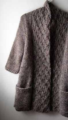 Ravelry: gussie's astor (designed by Norah Gaughan and FREE download on Ravelry) using 1 strand each of Alessandra Filati Super Kid, a 2ply ~ Isager Strik Tvinni (Wool 2), a 4ply fingering yarn ~ Ístex Plötulopi / Unspun Icelandic, a worsted 10ply.